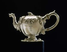 Silver teapot London Struck under base with hallmarks (leopard's head, lion passant,and with maker's mark of Paul Crespin. he was born in London his parents were French Huguenots Silver Teapot, Catherine The Great, Museum Of Fine Arts, Makers Mark, Metal Art, Precious Metals, Metal Working, Antique Silver, Silver Jewelry
