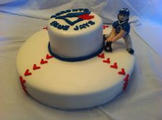 MamaCakes was asked to create a baseball themed cake for a very special little old. A baseball cake and a smaller cake with the Blue Jays logo and a handmade figure of the former baseman Kelly Gruber Baseball Theme Cakes, Baseball Party, 25 Anniversary Cake, Cupcake Cookies, Cupcakes, Dream Cake, Small Cake, Toronto Blue Jays, Fancy Cakes