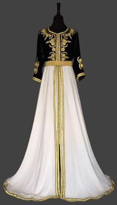 A beautiful black and White Morrocan Caftan #MOROCCANCAFTAN