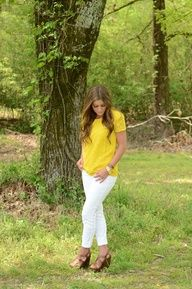 summer oufit : yellow and white combo