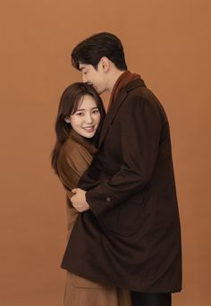 Photo Poses For Couples, Couple Posing, Cute Couples, Pre Wedding Poses, Pre Wedding Photoshoot, Portrait Photography Poses, Girl Photography, Prenuptial Photoshoot, Korean Couple Photoshoot