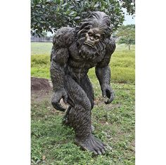 Bigfoot the Giant Life-size Yeti Statue - awwww, he's so cute and lost-looking!