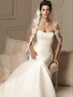 Mantilla lace veil at updo hairstyle | Womens Bridal Headpieces