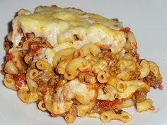 Les délices de Maya: Macaroni à la viande gratiné Goulash, Main Meals, Pasta Dishes, Pasta Recipes, Spaghetti, Macaroni And Cheese, Food And Drink, Nutrition, Favorite Recipes