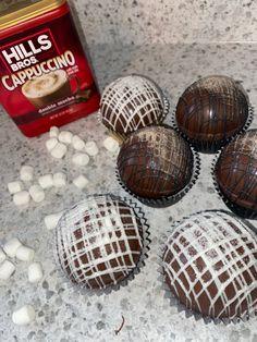 Hot Chocolate Coffee, Hot Chocolate Gifts, Chocolate Bomb, Hot Chocolate Bars, Hot Chocolate Recipes, Coffee Bomb Recipe, Coffee Recipes, Whipped Shortbread Cookies, Cocoa Tea