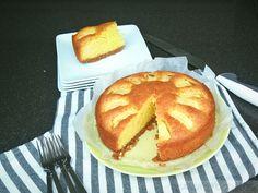 Appelcake met een bodem van speculaasjes – Anja's Foodblog Dessert Cake Recipes, Desserts, Dutch Kitchen, Nutella Brownies, Food Blogs, Bread Baking, Apple Pie, Biscuits, Sweet Tooth