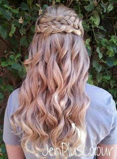 Braided half up half down hairstyle. By JenPlusColour. Braid, bride, bridal, wedding hair