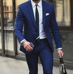 gym after work // mens health // fitness // suit // gym bag // city life // city guy //