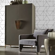Kelly's Geo Wallpaper in Gold and Cream from the Kelly Hoppen 2017 Collection by Graham & Brown Cream And Gold Wallpaper, Black And White Wallpaper, Black White, Black Gold, Matte Black, Dark Grey, Color Black, Brown And Blue Living Room, Home Interior
