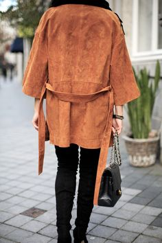 FAWN COLORED | Fiona from thedashingrider.com wears Oasis Leather Kimono, Asos Overknee Boots, Acne Canada Scarf and a Chanel Bag #ootd #whatiwore #petite #petiteblogger