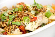 Veganer Salat to go: für Vegan for fit Challenger, die mittags im Büro essen müssen. Schnell und leicht vorzubereiten, viele Varianten möglich und lecker.