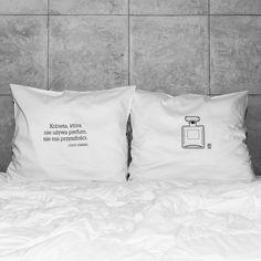 słowa, które odmienią każde wnętrze! białe, gładkie poszewki z zakładką 20 cm, 2 szt.100% bawełna (satynowana) prać ręcznie na lewej stronie maks. temp. 30°C seria: INSPIRATION #whiteplace #whiteplacepl #pillow #poszewka #dekoracja #prezent #gift #kobieta #perfumy #CocoChanel #homedecor #poszewki #poszewkidekoracyjne #pieknasypialnia #mojasypialnia #fome #decor #dom #codziennosc #dailiness #myhome #mojdom #wnetrza #interior #interiors #blackandwhite