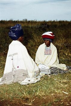 South African Traditional Dresses, Xhosa, My Roots, Traditional Clothes, African Attire, Beadwork, Queens, Southern, Culture