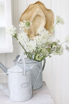 VIBEKE DESIGN: This summer's delicate and decorative ... use what nature provides...roadside treasure of Queen Anne's Lace in zinc...
