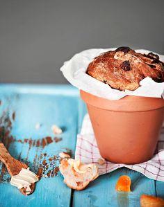 Aprikoosi-pähkinäruukkuleivät // Apricot & Nuts Pot Bread Food & Style Maku-toimitus Photo Satu Nyström Maku 2/2014, www.maku.fi
