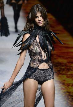 Antonina+Petkovic+Etam+Runway+Paris+Fashion+XXTqIqueL9Ul.jpg (409×600)