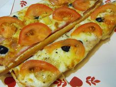 French Baguette with Three Cheeses Cheese Appetizers, Great Appetizers, Appetizer Recipes, Appetizer Ideas, French Baguette Recipe, Cheese Recipes, Cooking Recipes, Cheese Bread, Vegetable Pizza