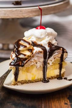 This delicious Banana Split Dessert is a no-bake recipe with a graham cracker crust, a . The post No Bake Banana Split Dessert appeared first on The Cookie Rookie®. Make Ahead Desserts, Summer Desserts, Pie Dessert, Dessert Recipes, Honey Roasted Pecans, Banana Split Dessert, Baked Banana, Glass Baking Dish, Thanksgiving Desserts