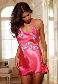 REAL MADRID GIRLS™: Irina inside Real Madrid...new Kit.