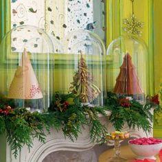 Des sapins de Noël en papier kraft