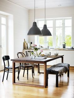 Smart Dining Room Layout Suggestions We are Stealing from IKEA – Home Unique Ikea Dining Table, Dining Room Wall Decor, Dining Room Design, Table Bench, Best Ikea, Ikea Home, Dining Room Inspiration, New Furniture, Bedroom Furniture