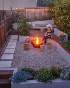 diy firepit Do you want to add welcoming touch to your front yard? You can considering to have a patio with fire pit there. A fire pit in your front yard can serves as a place for get-toge Fire Pit Landscaping, Small Backyard Landscaping, Modern Landscaping, Backyard Ideas, Landscaping Ideas, Backyard Designs, Cozy Backyard, Modern Backyard, Fire Pit Backyard