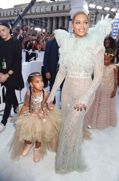 Beyoncé and Blue Ivy looked like fairytale royalty at the 2016 VMAs. GETTY