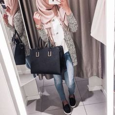 grey-coat-with-pink-scarf- street style hijab looks