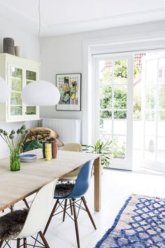Scandinavian Dining Room Inspiration That You Need To See diningroomsets Dining Room Design, Patio Design, Interior Design Living Room, Kitchen Ikea, Dining Room Inspiration, Decor Room, Cozy House, Home And Living, Living Spaces