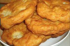 Így készítsz kitűnő lángost, odahaza, a nagymama receptje alapján! - Filantropikum.com Romanian Food, Onion Rings, Winter Food, Bagel, Pizza, Food And Drink, Cooking Recipes, Bread, Dishes