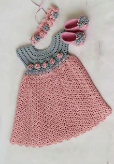Hermoso vestido para niña en rosa y gris,
