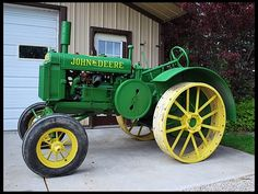 John Deere two cylinder model GP. The GP is easily identified by its arched front axle and flathead engine.