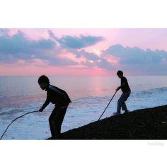 【0re0_tp】さんのInstagramをピンしています。 《2017.1.7 ・ 癒しの時間 ・ ・ ・ ・ #スマホ写真部 #写真好きな人と繋がりたい #photo #photooftheday #photographer #picture #pictureoftheday #blue #Japan #japanese #jp #jp_gallery #team_jp_西 #team_jp_ #海 #夕焼け #夕空 #夕方 #優空 #砂浜 #空 #夕日 #夕陽 #sea #beach #sunset #sunsetglow #sky #outdoors》