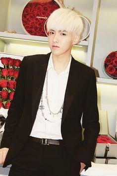Wu Yi Fan Akdong Musician, Galaxy Fashion, Wu Yi Fan, U Kiss, Kris Wu, Chinese Boy, Models, Btob, Kpop Fashion