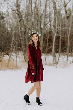 Maria Dress in Wine – Ivy + June. Cute women's fashion. Wardrobe inspiration. Canadian online boutiques. Casual dresses. Winter style. Fun clothing.
