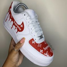 Louis Vuitton Trainers, Louis Vuitton Shoes, Nike Shoes Blue, Nike Air Shoes, Nike Fashion, Sneakers Fashion, Supreme Shoes, Air Force One Shoes, Look Body