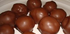 Christmas Baking Ideas: Oreo Balls and Chocolate Covered Rice Krispie Peanut Butter Balls Candy Recipes, Sweet Recipes, Holiday Recipes, Dessert Recipes, Fun Recipes, Holiday Foods, Cookie Recipes, Holiday Baking, Christmas Baking