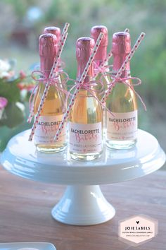 creditcard photo Mini Champagne Bottle Labels / Bachelorette Party Favors / Mini Wine Bottle Labels Also Available / Last Fling / Custom amp; Personalized Custom Bachelorette Bubbly Mini Champagne Labels For von JoieLabels Champagne Wedding Favors, Mini Champagne Bottles, Mini Wine Bottles, Champagne Label, Small Bottles, Champagne Birthday, Pop Bottles, Creative Wedding Favors, Unique Wedding Favors