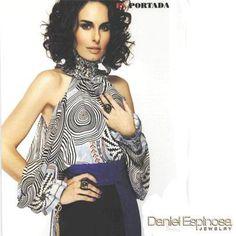 Ana Serradilla en la revista Seis Sentidos con joyería Daniel Espinosa.