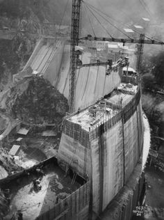 1931-1935 Barrage de Marèges en construction,