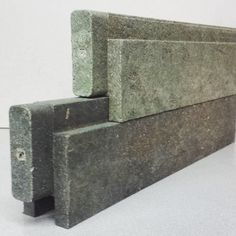 Las casas de ladrillos de plástico tipo LEGO que podrás construir tu mismo Interlocking Concrete Blocks, Waste Management Company, Brick Projects, Recycled Brick, Tiny House Storage, Recyle, Precast Concrete, Passive House, Architecture Plan
