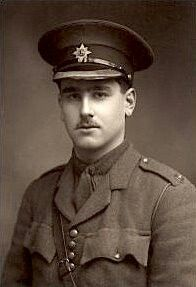 Read More About Lieut John Kipling. Only son of Rudyard Kipling, was plagued with severe near sightedness, & deemed medically unfit for military service during WWI. With the weight of his father'. Military Service, Military Men, Military History, British Soldier, British Army, British Men, World War One, First World, Commonwealth