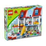 LEGO Duplo Groot Ziekenhuis - 5795 Birthday present for the boys! Lego Duplo, Lego Toys, Baby Doll Nursery, Baby Dolls, Legos, Wooden Playset, City Hospital, Shimmer N Shine, E Commerce