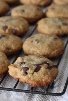 Vegan Chocolate Chip Cookies - gluten & refined sugar free