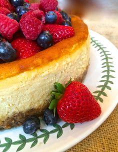 Italian Mascarpone & Ricotta Cheesecake & Raspberry Almond Crust