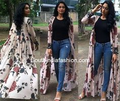 Regina Cassandra's Stylish Look – South India Fashion Stylish Dress Designs, Stylish Dresses, Fashion Dresses, Indian Designer Outfits, Indian Outfits, Mode Kimono, Shrug For Dresses, Kurta Designs Women, Kurti Designs Party Wear
