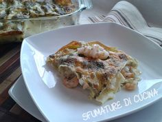 Queste Lasagne con gamberi, pesto e bufala sono una ricetta di Simone Rugiati che ho trovato su una rivista di cucina qualche anno fa. Mia mamma le fa spesso e noi siamo molto contenti perchè sono davvero buonissime.