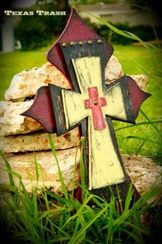 Rustic Stacked Cross by TexasTrashRustics on Hand Painted Crosses, Wooden Crosses, Crosses Decor, Wall Crosses, Wood Crafts, Fun Crafts, Cross Wall Decor, Rustic Cross, Cross Paintings