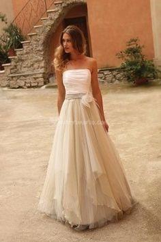http://www.matrimonio.com/abiti-da-sposa/pigal-boutique--e96746