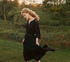 PROVENCAL DRESS -- BLACK